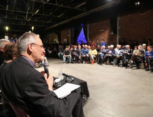 El arzobispo de Bolonia presenta los discursos del Papa Francisco a los movimientos populares